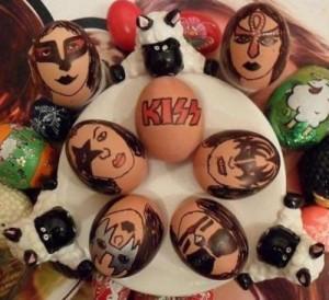 -Kiss-Easter-eggs-kiss-army-30405737-500-457